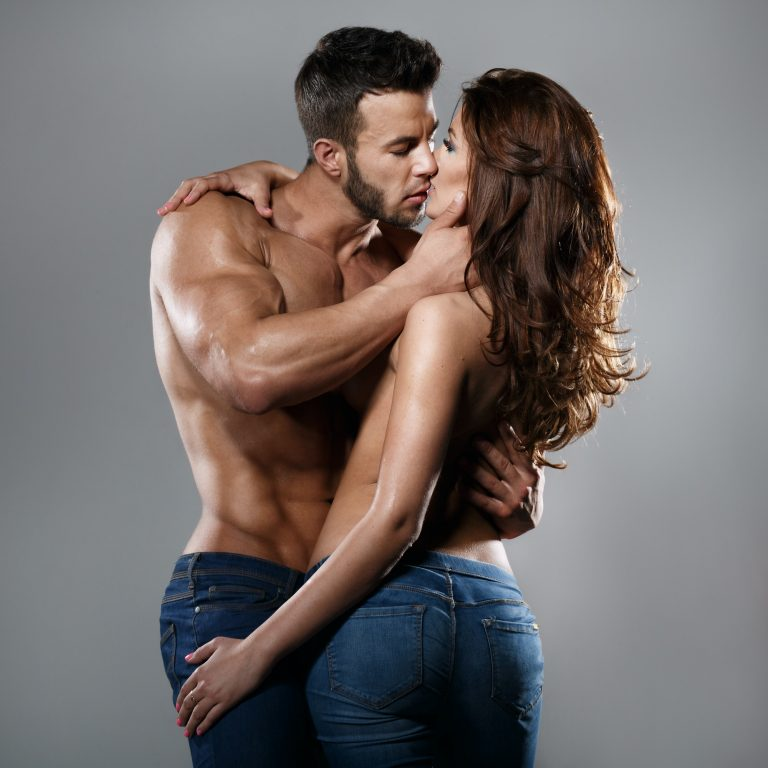 Scandalicious book reviews - lovers kissing